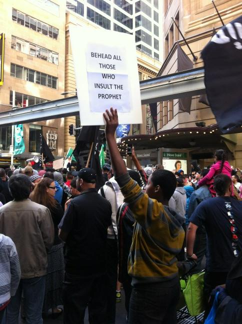 Behead those who insult the prophet (Sydney vendredi 14-09-12) (1)