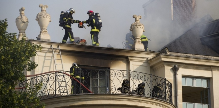 incendie-hotel-lambert.jpg - Facades De Cuisine Sur Mesure/2016 10 28t06:03:04z