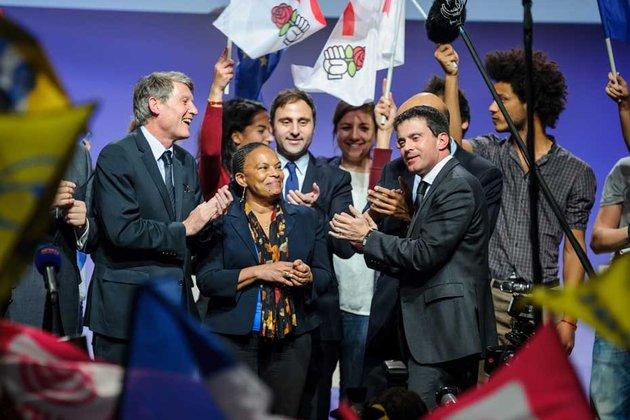 Regardez ces socialistes sur scène, on les croirait sorti du cerveau d'Orwell.
