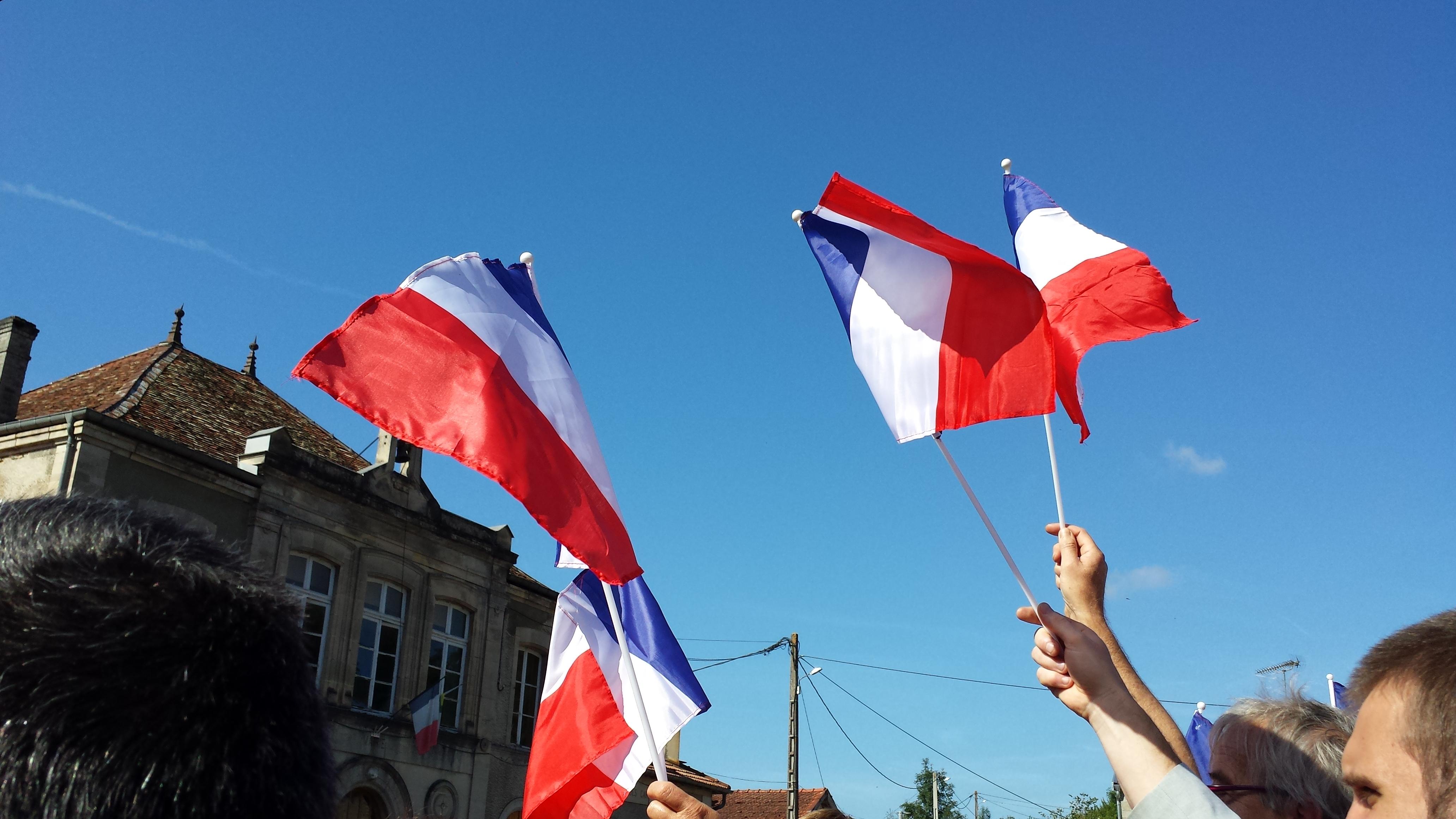 Il n'y a pas de drapeau européen sur le fronton de la mairie