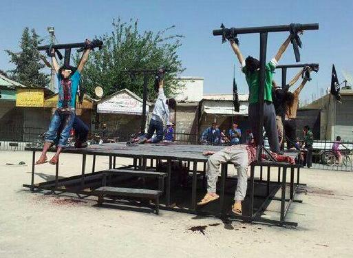 8-chretiens-crucifies-Syrie-juillet-2014-deux