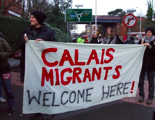 Calais-migrants-welcome-here