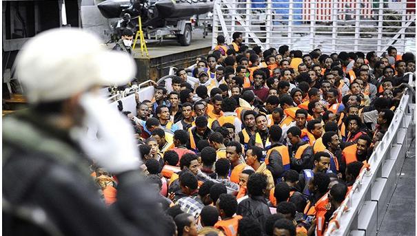 migrants-avec-gilets-de-sauvetage