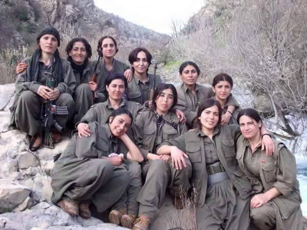 1-Femmes soldats en Irak-Syrie1