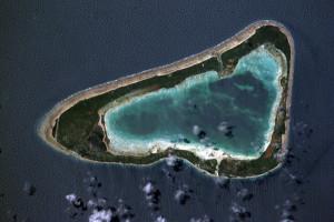 800px-Marakei_Atoll---Kiribati-isl.-Nasa