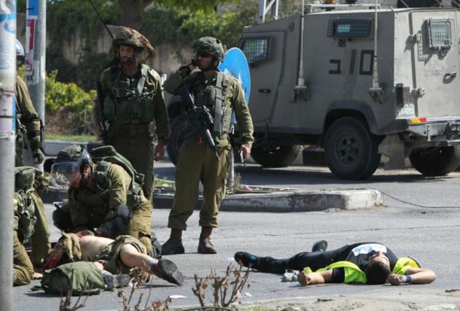 Israelattaqueaucouteau