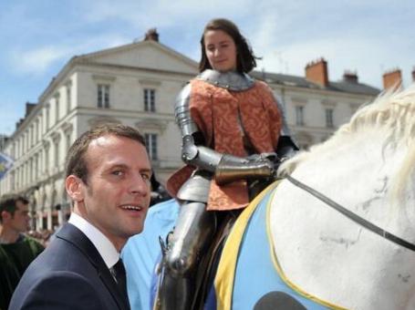 Macron-et-Jeanne-d-Arc