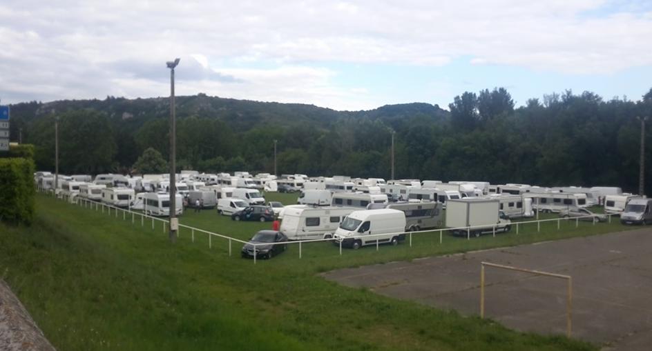 Viviers : les gens du voyage envahissent le terrain de foot