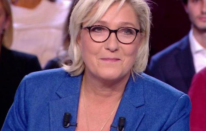 Marine Le Pen est-elle LR ?
