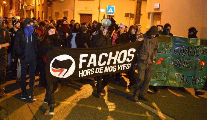 Démonstration Manif À Force De AngersLa Antifasciste wmvN8n0