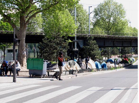 Trop c'est trop. Devant l'insalubrité, les incivilités et trafics en tout genre qui pullulent dans les 10ème et 18ème arrondissements de Paris, plusieurs associations de riverains ont interpellé les pouvoirs publics, d'après Le Figaro.