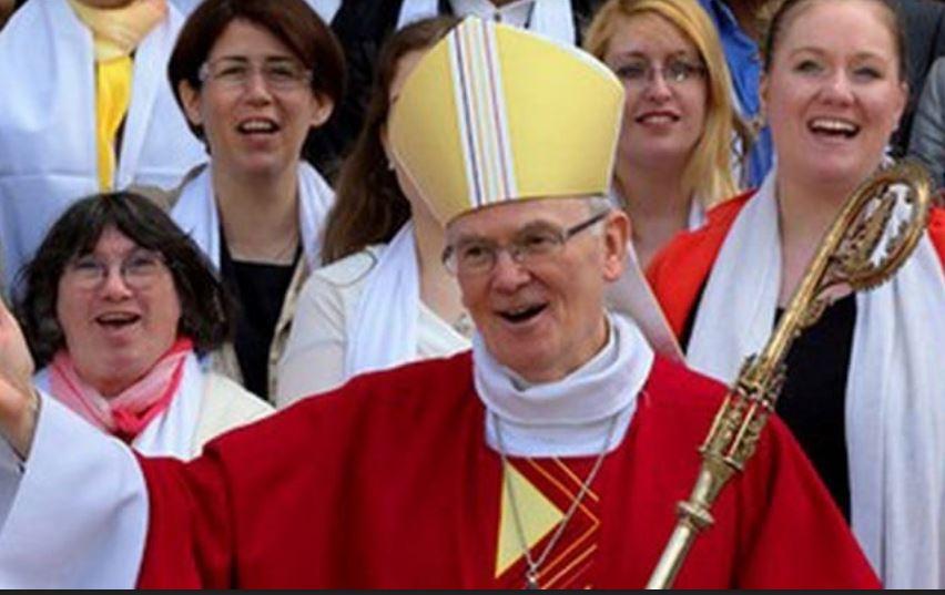 L'évêque de Nantes accepte que les gauchistes installent des clandestins dans son gymnase !