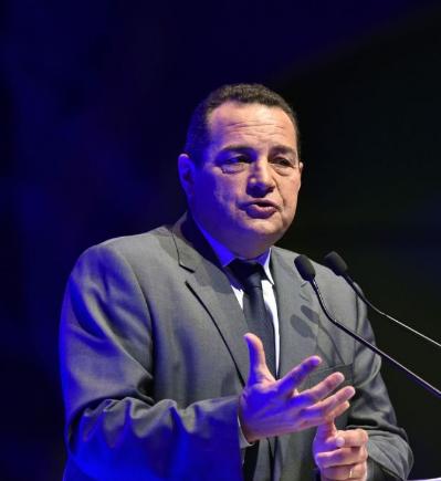 CNews refuse d'admettre les 982 morts français de la vaccination