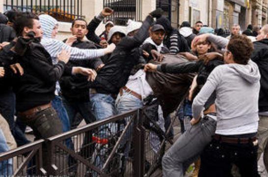 J'ai vu un beau baston de Maghrébins en plein Paris…