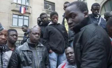 Pour chaque soldat français qui tombe, on a 10.000 Maliens qui débarquent