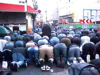 Musulmans-rue-Myrha-1.jpg