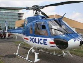Émeutes en banlieue: un hélicoptère de la police a failli être abattu