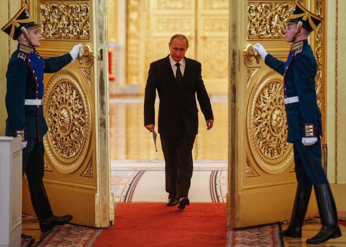 Poutine vire 1 million de clandestins et 16 diplomates, dont un consul !