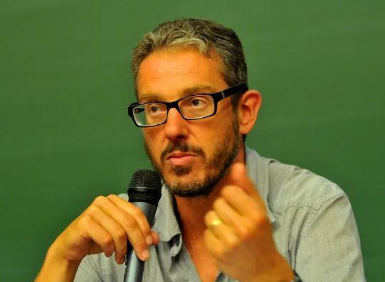 """Hold-Up"": Laurent Mucchielli, le sociologue inutile, hurle avec les loups"