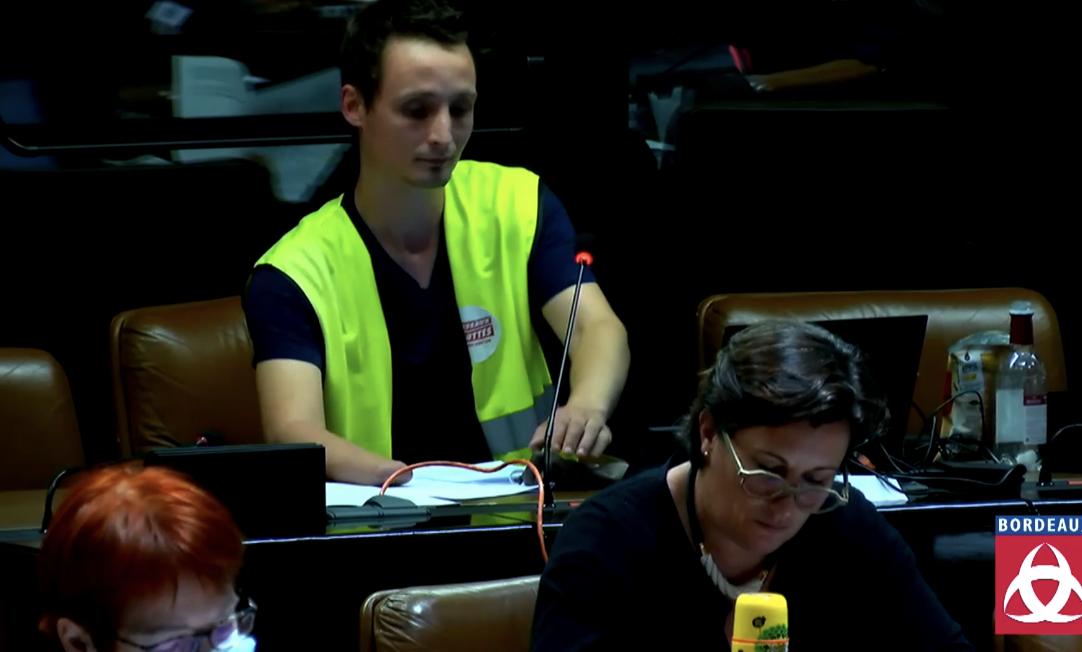 Bordeaux : seul l'antifa Antoine Boudinet joue les opposants au maire écolo