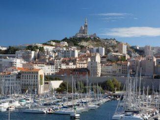 Marseille-A-quel-nouveau-jeu-idiot-Macron-joue-t-il-encore.jpg