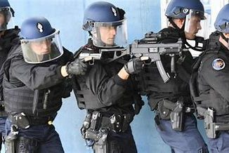 Police-arme.jpg