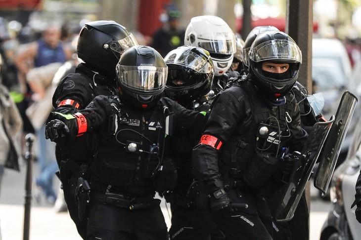 Et si les forces de l'ordre redevenaient des gardiens de la Paix
