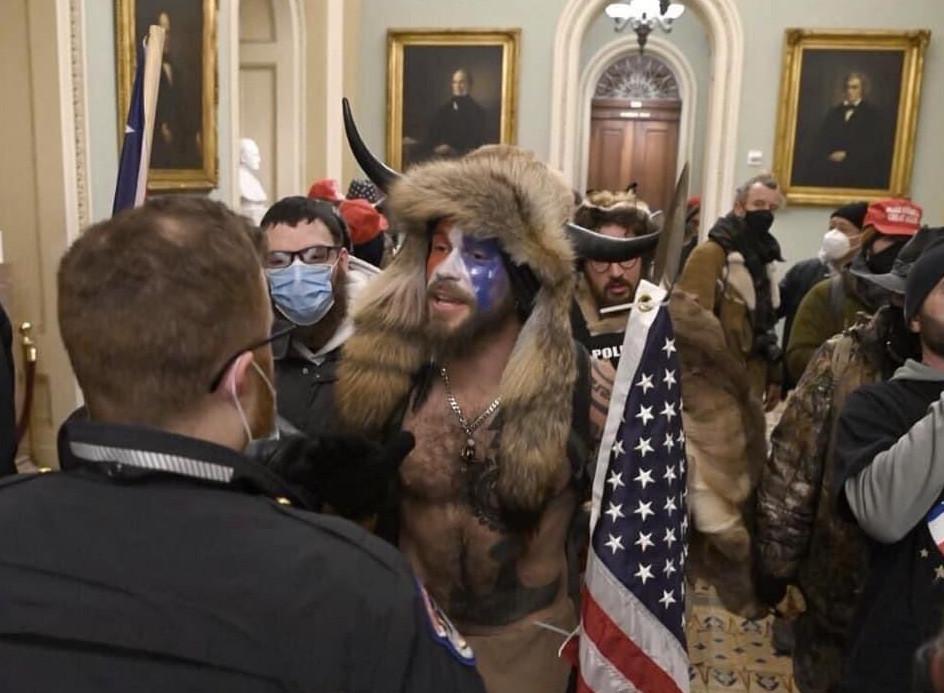 En direct du Capitole investi par les Patriotes
