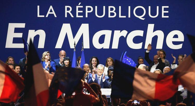 La République (bananière) En Marche (arrière) a pour but de détruire la France
