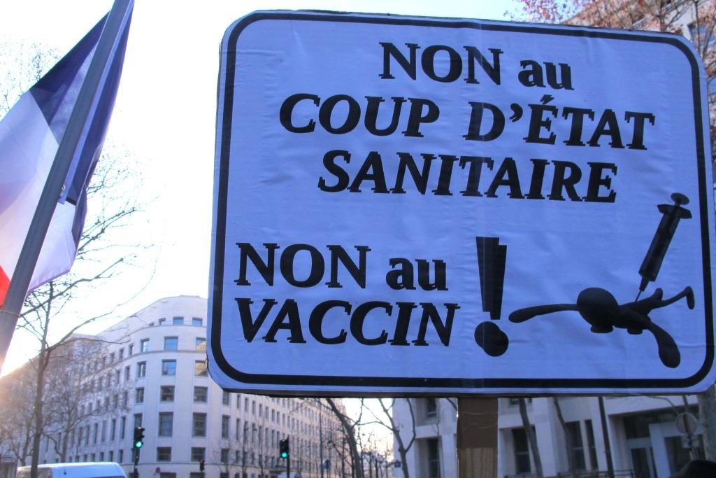 """Une dictature mondialiste de moins en moins """"douce""""…"""