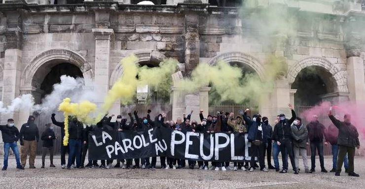 """Nîmes : les Identitaires mobilisés contre les lois """"bioéthiques"""""""
