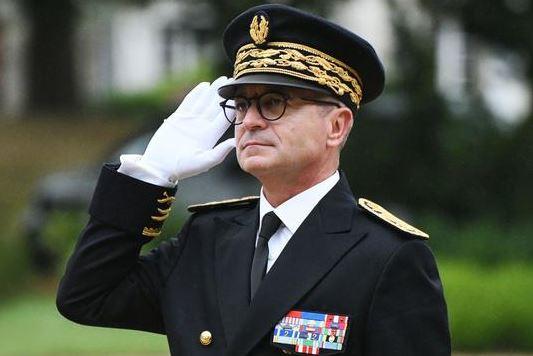 Le préfet Faure est venu à Ploërmel : il a dénoncé les immigrés !
