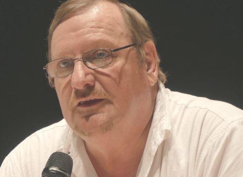 Les nouveaux procès de Moscou, avec Eyschen dans le rôle de Béria