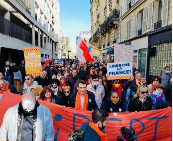 Faux déconfinement, pass sanitaire : la France en liberté conditionnelle !