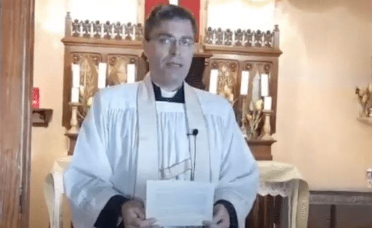 L'abbé Salenave alerte sur le «vaccin» Covid à implant de traçage