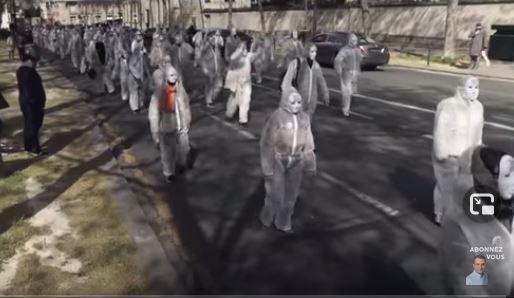 Magnifique manif parisienne des Patriotes, déguisés en zombies