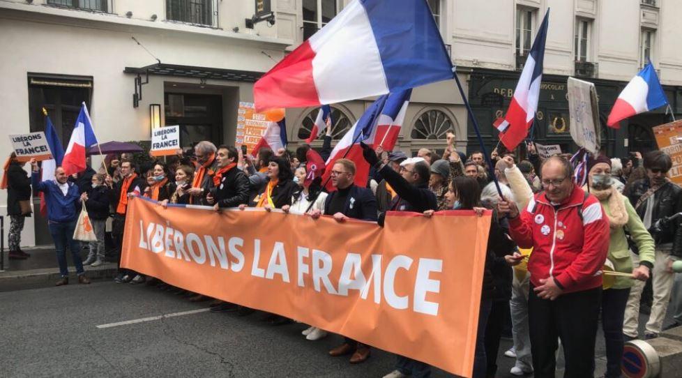 Débandade de Macron-Mélenchon face aux militaires : incroyable renversement !