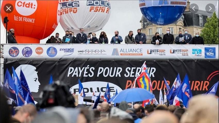 Après la grande manif, la police française déjà à genoux devant la racaille