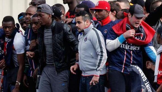 Attitudes de rue en France, nouveau miroir des temps et des tribus?