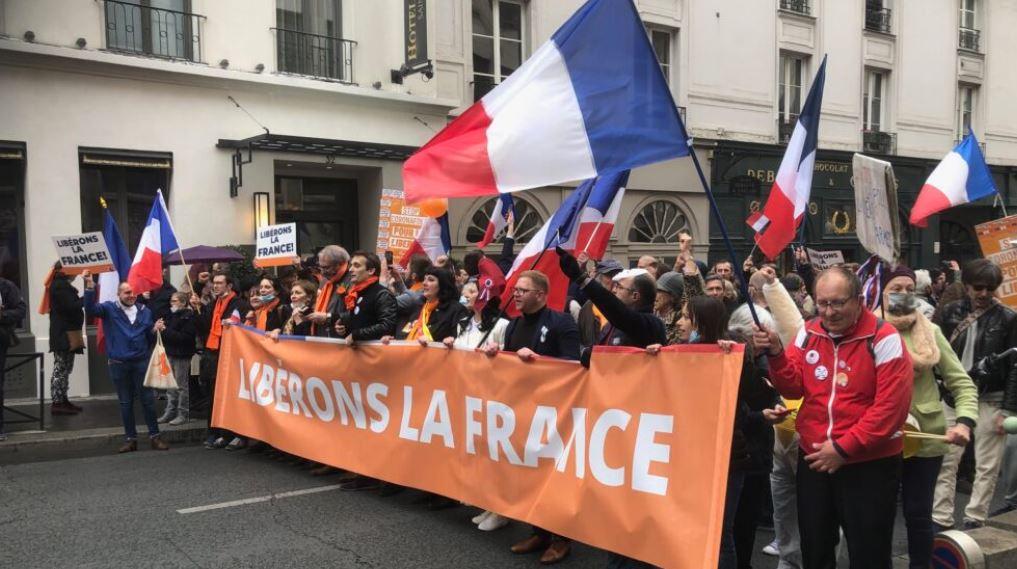 Passe sanitaire : l'Assemblée nationale poignarde la France ! Debout !