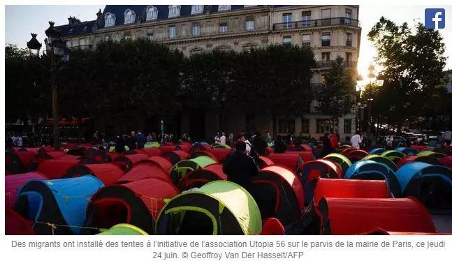 L'association pro-migrants Utopia56 squatte devant l'Hôtel de Ville de Paris