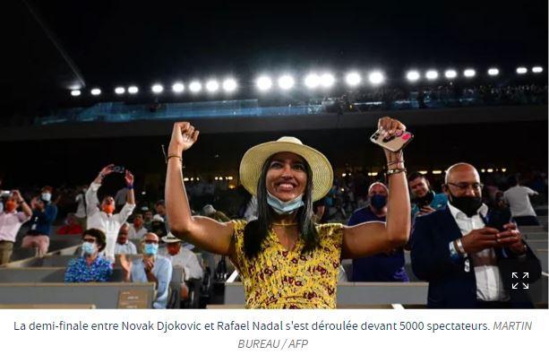 Après sa gifle humiliante, Macron ovationné par les bobos de Roland-Garros