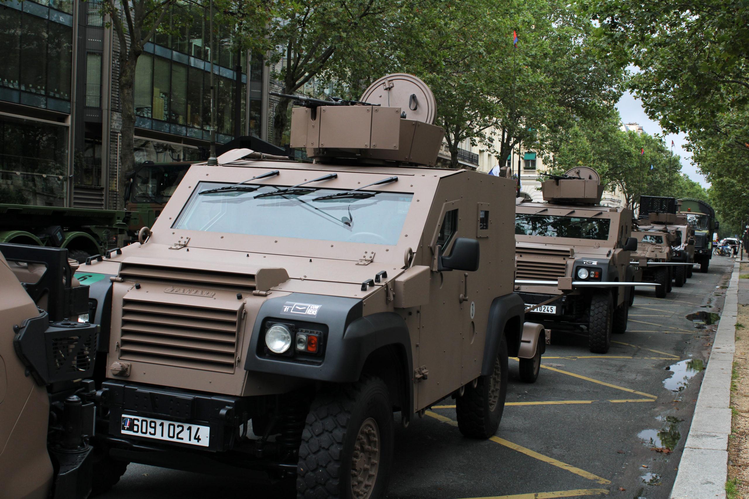 Ils ont osé empêcher les militaires non vaccinés de regarder le défilé !