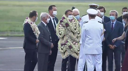 Macronescu le tyran se ridiculise en Polynésie