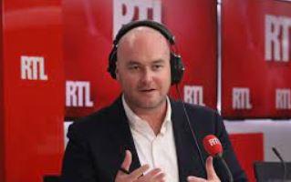 Le tocard du jour : Philippe Corbé trop fort, Bourdin est foutu !