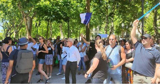 Succès de la manifestation contre le «passe sanitaire» à Nîmes