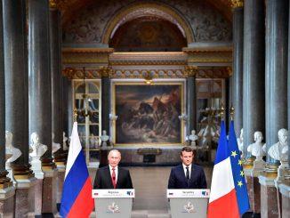Accueil royal pour Vladimir Poutine à Versailles - Le Point