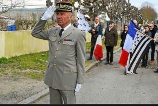 Contre le passe sanitaire, le Général Coustou sera présent à Ploërmel