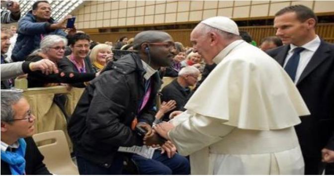 Le Rwandais n'a pas fait exprès de mettre 6 coups de surin au prêtre!