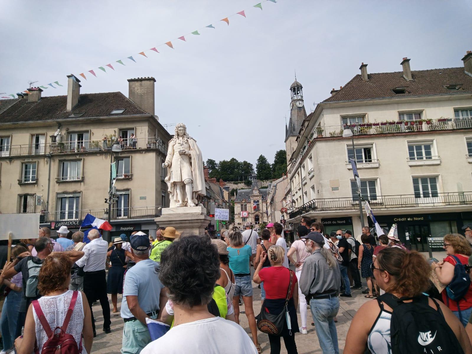 Alex avec 150 résistants pour la liberté à Château-Thierry le 21 août